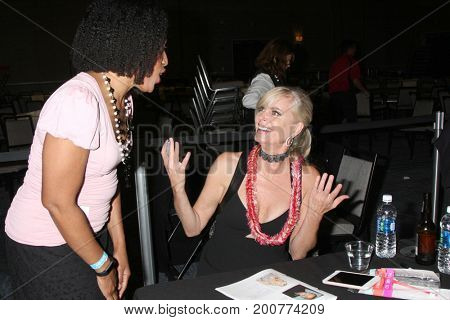 LOS ANGELES - AUG 19:  Eileen Davidson, fan at the Young and Restless Fan Event 2017 at the Marriott Burbank Convention Center on August 19, 2017 in Burbank, CA