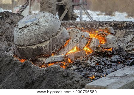 Molten incandescent slag in slag dump. Wastes from the metallurgical industry.