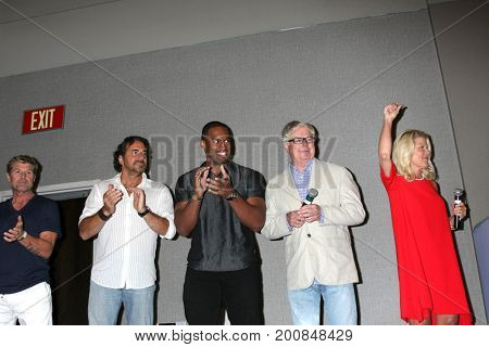 LOS ANGELES - AUG 20:  Winsor Harmon, Thorston Kaye, Lawrence Saint-Victor, Dick Christie, Alley Mills at the BnB Event 2017 at the Burbank Convention Center on August 20, 2017 in Burbank, CA