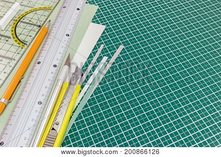 Cutting Mat With Utility Knife, Mechanical Pencil, Metal Ruler And Paper Sheets