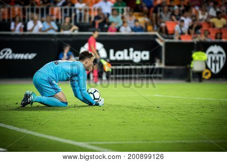 VALENCIA, SPAIN - AUGUST 18: Neto during Spanish La Liga match between Valencia CF and Las Palmas UD at Mestalla Stadium on August 18, 2017 in Valencia, Spain