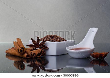 Star Anise, Cinnamon And Flax