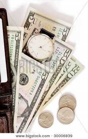 Brieftasche mit Geld und ansehen auf weißem Hintergrund.