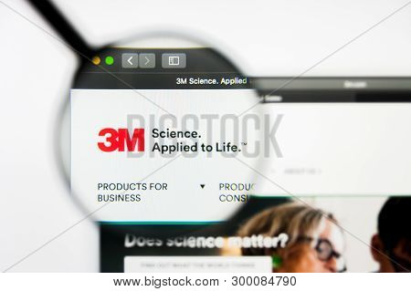 Richmond, Virginia, Usa - 8 May 2019: Illustrative Editorial Of 3m Company Website Homepage. 3m Comp