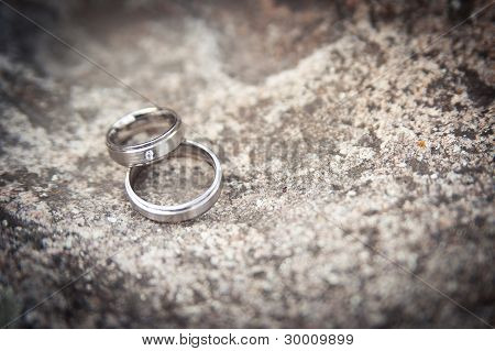 rings on a stone