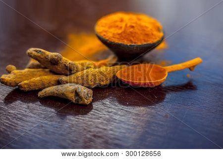 Raw Organic Famous And Essential Spice I.e. Turmeric Or Haldi Or Curcuma Or Curcuma, Saffron Des Ind