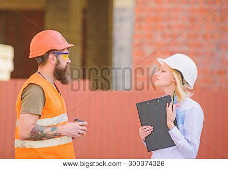 Relationships Construction Client And Participant Building Industry. Discuss Progress Plan. Woman En