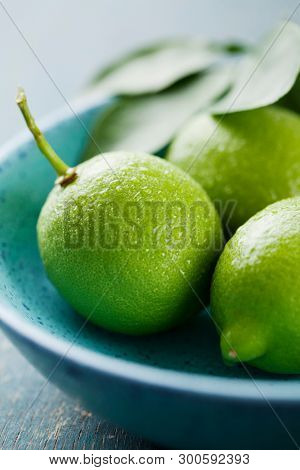 Close up  of lime fruit in a bowl