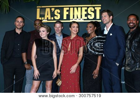LOS ANGELES - MAY 10:  Cast of