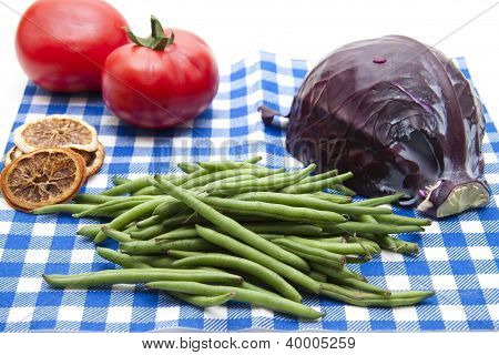 Red cabbage with String beans