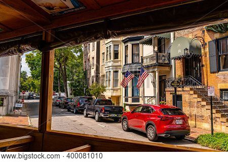 Savannah, Georgia Usa - September 10 2019: In The Tourbus Beautiful Streets And Homes In Downtown Sa