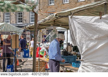 Richmond, North Yorkshire, Uk - August 1, 2020: An Elderly Man Wearing A Cloth Face Mask Protecting