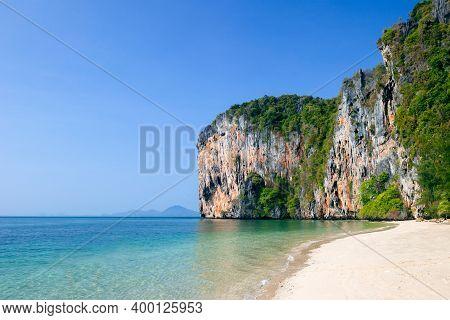 Small Beach At Phi Phi Leh Island Krabi Province Thailand. Koh Phi Phi Leh Is Part Of Mu Ko Phi Phi