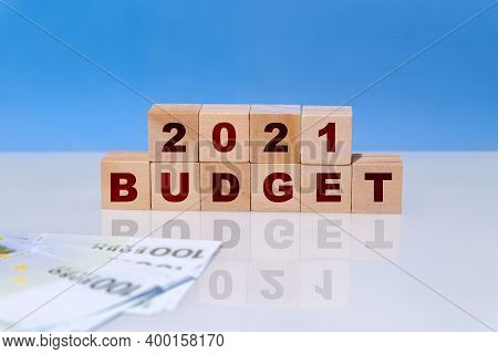 On Wooden Cubes Budget 2021. Business Plans And Development Prospects, Trends And Challenges. Revenu