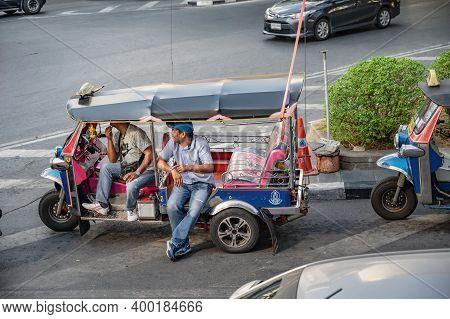 Bangkok/thailand- 31 Dec 2019:two Tuk-tuk Driver Talking On The Road At Siam Square In Bangkok City