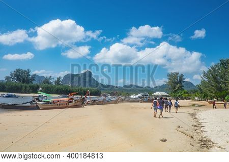 Krabi/thailand-23 July 2017:unacquainted Woman And Ao Nang Beach With Beautiful Seascape And Endless