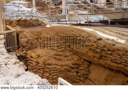 Santorini, Greece - September 18, 2020: Excavations In Prehistoric Town Of Akrotiri, One Of The Most