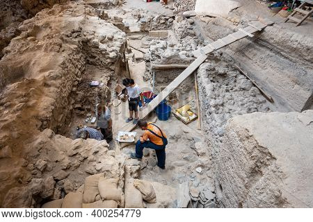 Santorini, Greece - September 18, 2020: Archaeological Works In Prehistoric Town Of Akrotiri, One Of