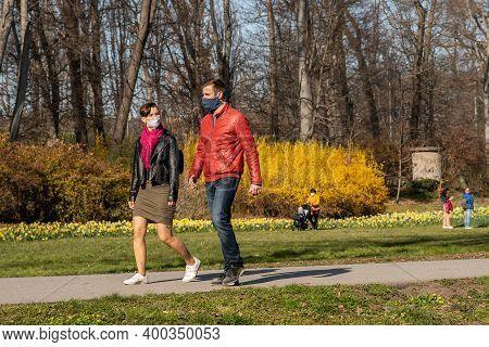 Prague, Czech Republic. 03-11-2020. Couple Walking In Park Stromovka. Covid-19 It Is A World Spread