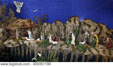 Christmas Scene, Showing Nativity Scene Without Baby Jesus - End Of Year Representation