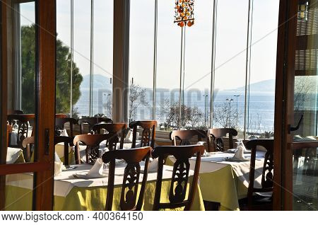 Ornate Empty Dining Tables In A Modern Restaurant Ready To Serve, A Clean And Luxurious Restaurant
