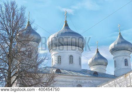 Russia, Veliky Novgorod 01,04,2012  , Cars Near Svyato-yuriev Monastery In Novgorodmonastery's Oldes