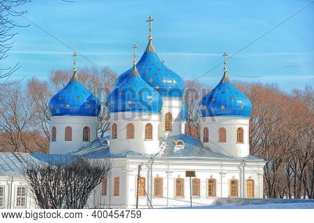 Russia, Veliky Novgorod 01,04,2012  , Cars Near Svyato-yuriev Monastery In Novgorod30 Year. White Ch