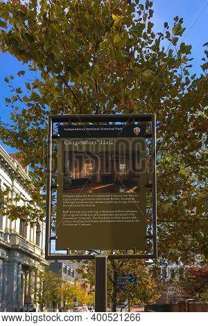 Philadelphia, Usa - November 6, 2016: Carpenters Hall Sign In Independence National Historical Park,