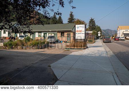 Idaho Springs, Colorado - September 18, 2020: The Idaho Springs Motel, Sign And Building, Along The