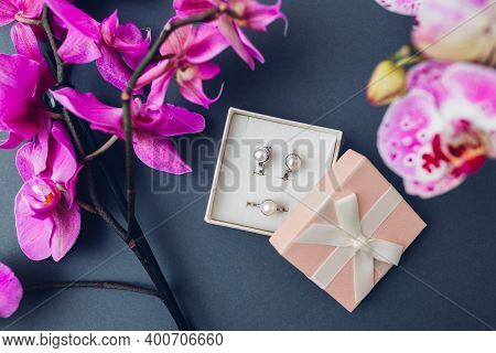 Classic Stylish Female Jewelry. Silver Ring Earrings With Pearls In Gift Box With Pink Orchid. Fashi