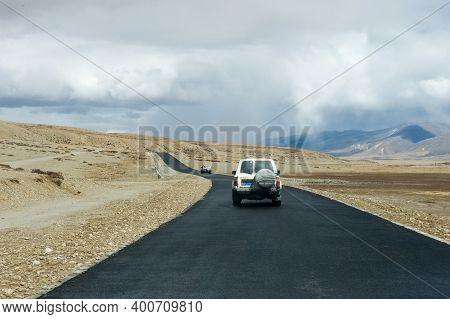 Naku, Nepal - June 23, 2016: Asphalt Road In Tibet. The Track In The Himalayas.