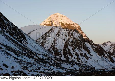 Mountains Of The Himalayas, Young Beautiful High Mountains Of Tibet.
