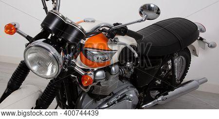 Bordeaux , Aquitaine  France - 12 15 2020 : Triumph Vintage Bonneville T100 Bonnie Motorcycle Detail
