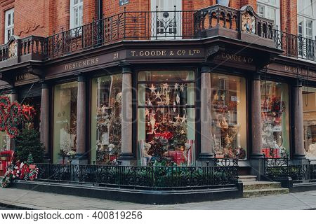 London, Uk - December 5, 2020: Christmas Decorations Outside T. Goode Designers And Co Shop In Mayfa