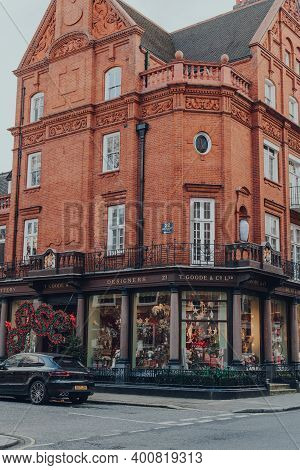 London, Uk - December 5, 2020: Exterior Of T. Goode Designers And Co Shop With Christmas Window Them