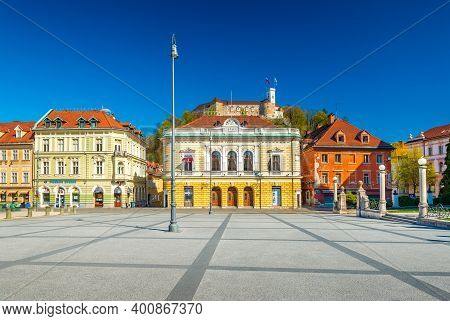 Ljubljana - April 2020, Slovenia: View Of The Central Square (congress Square) On A Sunny Day With A
