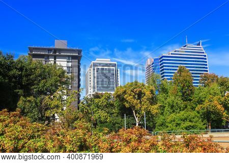 Tall office buildings in Sacramento downtown