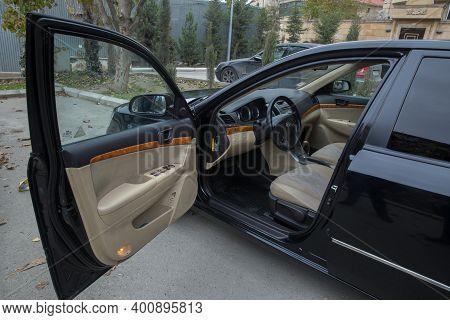Hyundai Sonata, 2.4 L, 2009 Il .black Car Controller On Steerling Wheel , Music, Control System Func