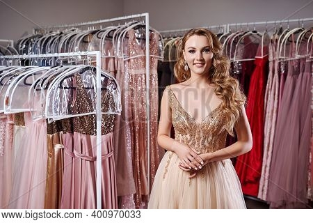 Beautiful Blonde Girl Wearing A Full-length Yellow Champaign Chiffon Slit Prom Ball Gown Decorated W