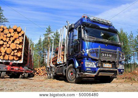 Sisu Polar Logging Truck And Wood Trailer