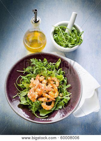 shrimp salad with arugula olive oil and balsamic vinegar