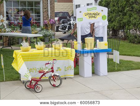 Lemonade Stand At Winneconne Car Show