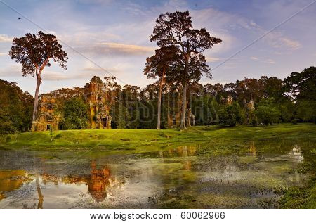 Angkor Prasat Suor Prat Temple