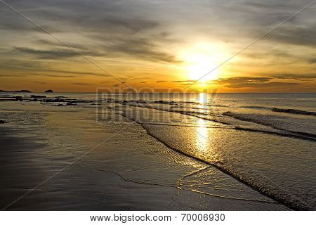 Sunrise Rabiate Golden Seaside
