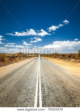 An image of a road to the horizon
