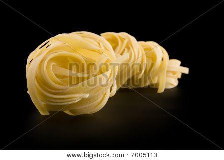 Row Raw Dry Nest Pasta