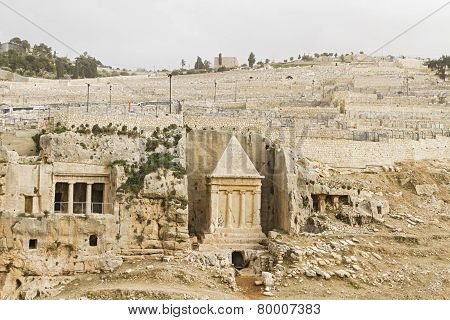 Tombs Hezir And Zechariah In The Kidron Valley .