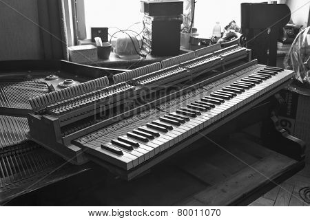 Black And White Parsed Piano Repair