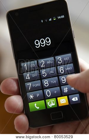 Hand Dialling 999 On Mobile Phone