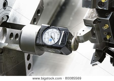 Operator Setup Tool And Setting Tool Zero Position Of Cnc Turning Machine
